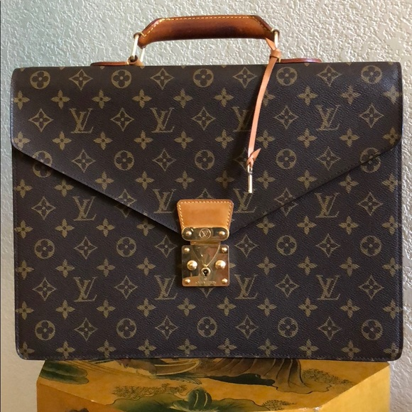 b7023c97cb1b Louis Vuitton Handbags - Authentic LV Serviette Conseiller Briefcase